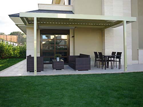 Pergola de lamas orientables para jardines pergolas de for Pergolas aluminio precios